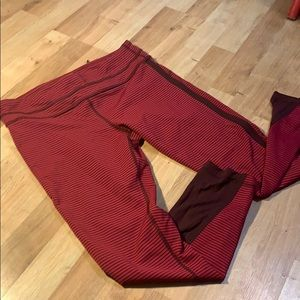 Lululemon pant sz 10 red black stripe